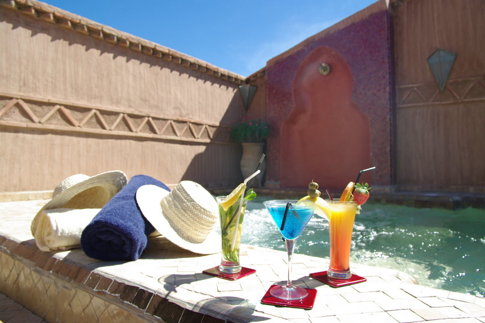 Fresh Pool and drinks in Marrakech